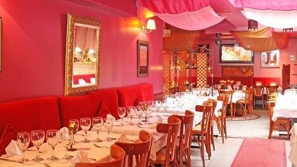 RESTO_vue-d-ensemble-de-la-salle-du-restaurant[1].jpg